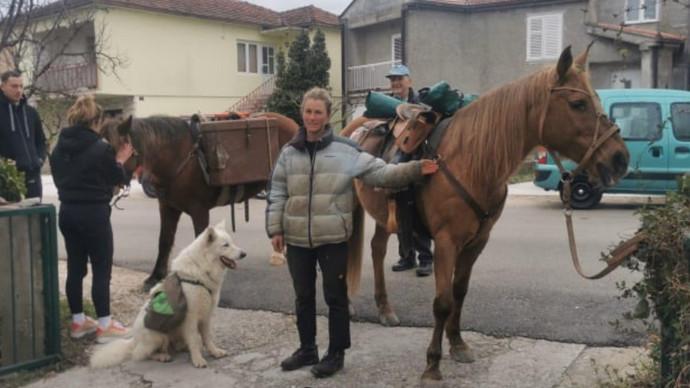 Nevjerojatna Manisha s dva konja i vjernim psom na putu iz Švicarske proći će kroz Stolac