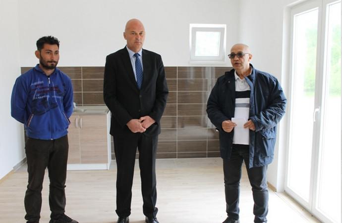 Tri romske obitelji u Stocu dobile na korištenje stambene objekte