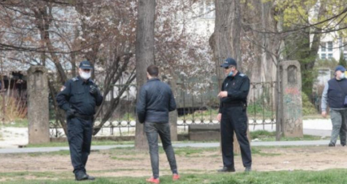 Sarajevo: Migrant iz Maroka djevojci stavio nož pod grlo i oteo torbu
