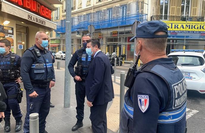 U terorističkom napadu u Nici ubijene tri osobe, jedna žena obezglavljena