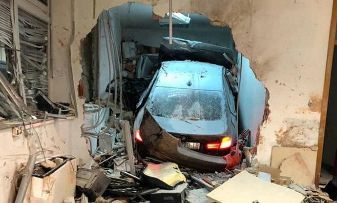 BMW-om se zabio u naplatnu kućicu kod Velike Gorice, poginuo radnik HAC-a