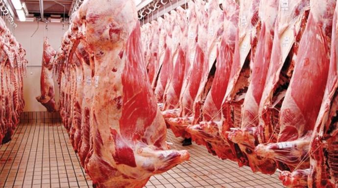 Pored domaćeg uvozi se juneće meso po 4 KM, svinjsko 2,50, a mlijeko po 0,80 KM