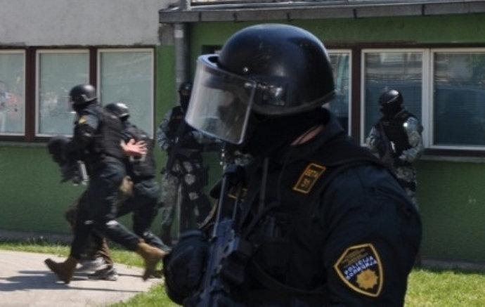 Uhićena skupina osumnjičena za niz pljački u HNŽ-u i ZHŽ-u