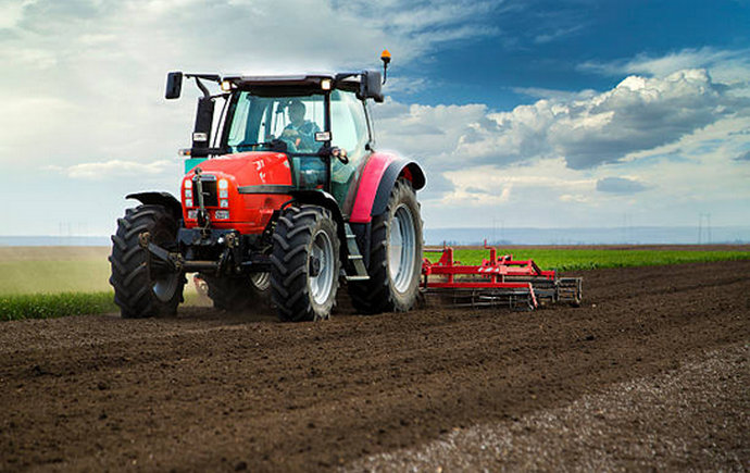 Skoro osam tisuća ljudi odustalo od poljoprivrede
