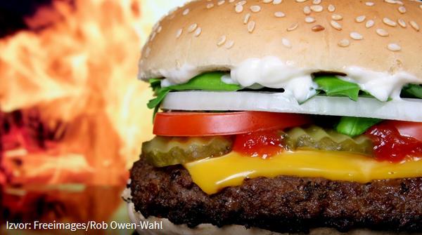 Jedenje fast fooda povećava razinu ftalata u organizmu