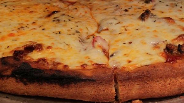 Pizza sa 111 vrsta sireva